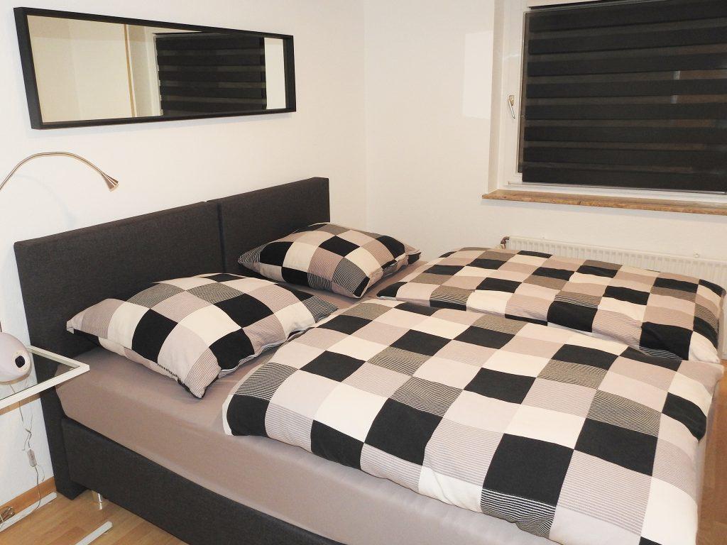 Schlafzimmer mit trennbaren Betten